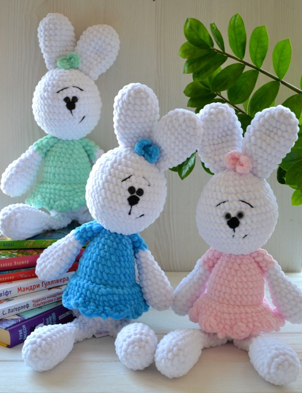 Зайцы-обнимашки плюшевые